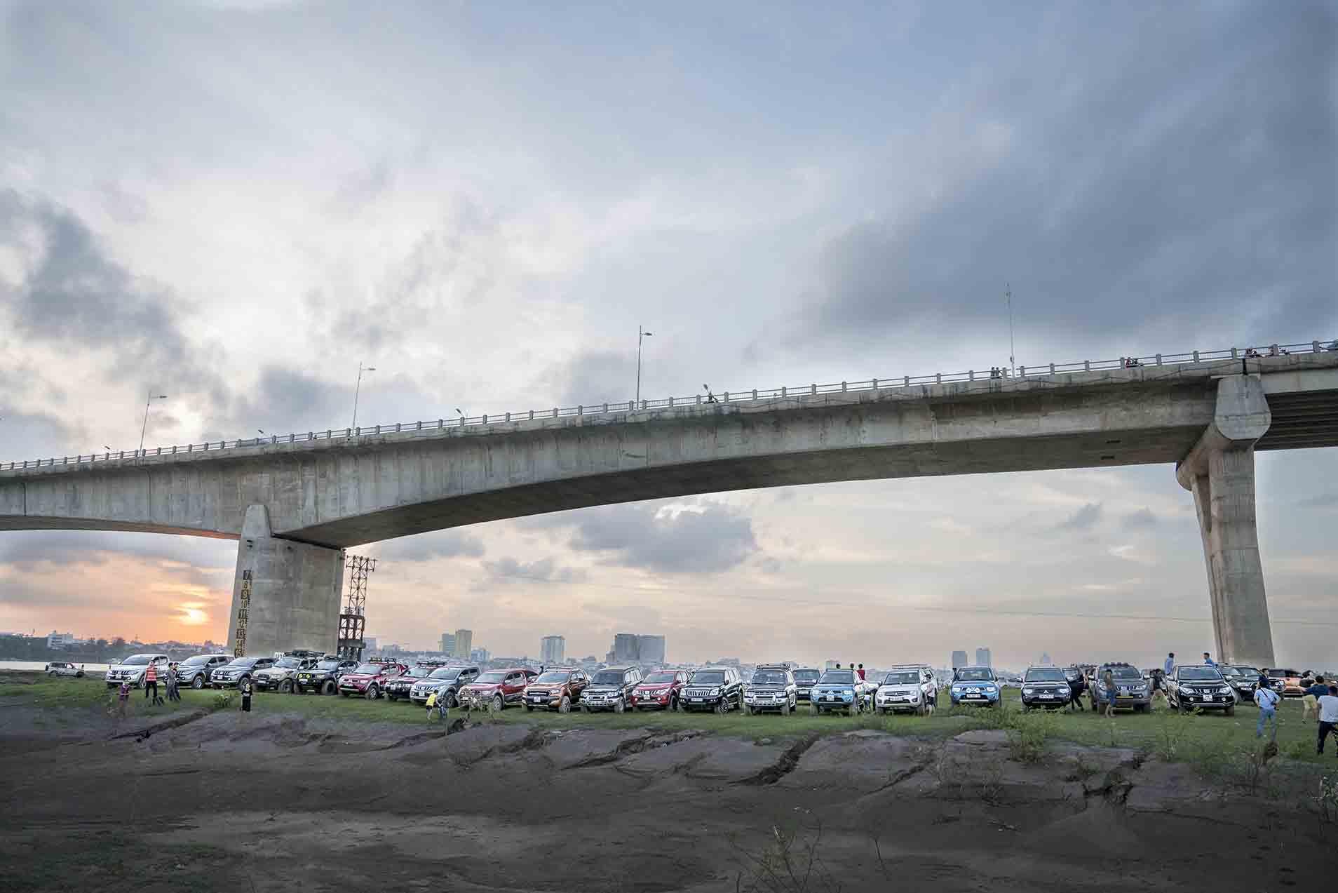 Tháng 10 rời phố thị cùng các câu lạc bộ yêu xe Mitsubishi.